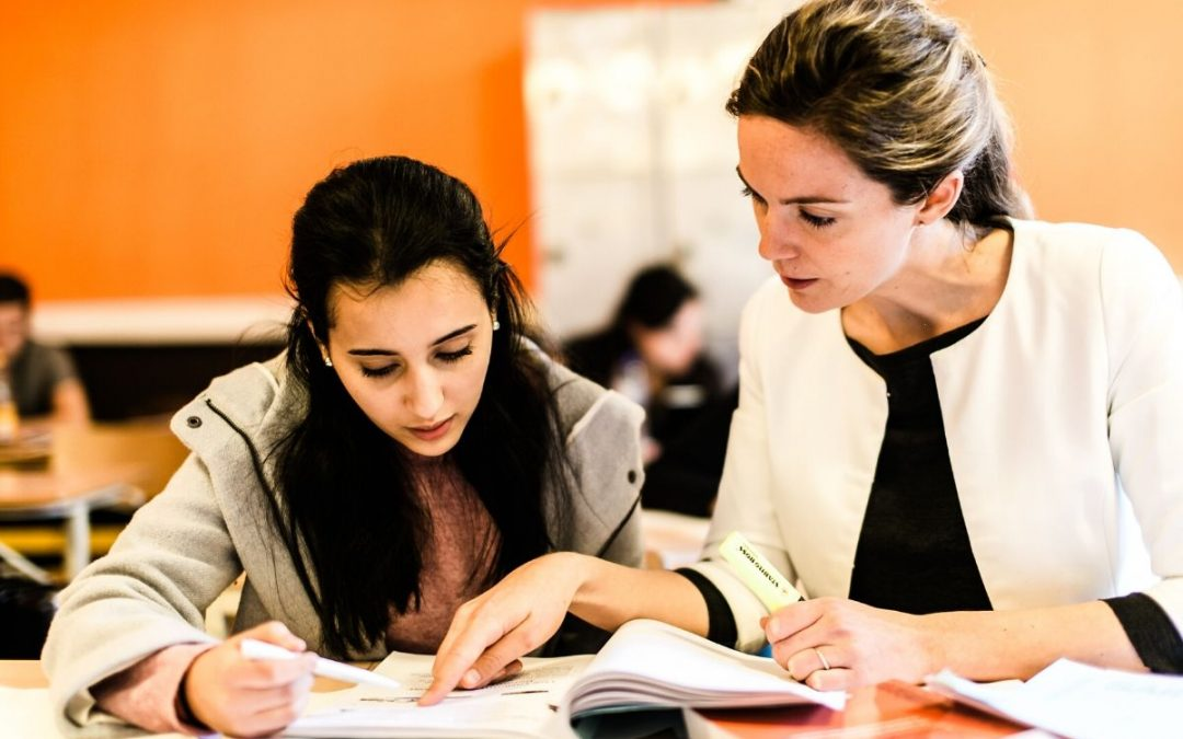 """Appel aux étudiants – Aide aux plus jeunes pour faire """"l'école à la maison"""""""