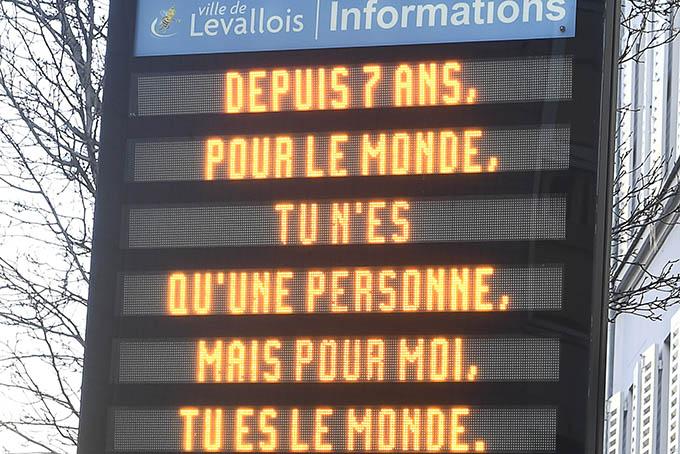 Affichez votre amour sur les panneaux lumineux de la Ville !